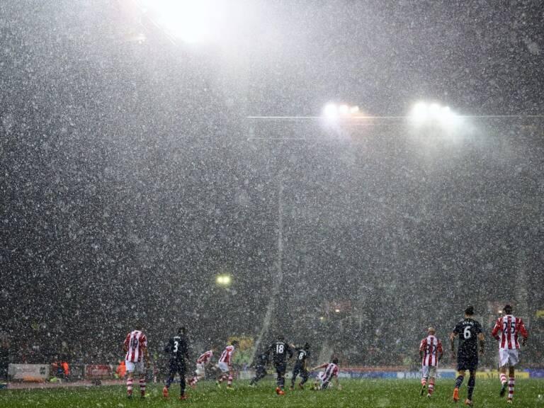 Preferiamo una fredda e piovosa notte a Stoke: cronaca di un Super Flop